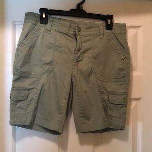 Faded glory green cargo shorts size 10